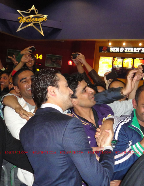 11sep mbkd ukpremier05 Exclusive: BollySpice at Mere Brother Ki Dulhan UK Premier