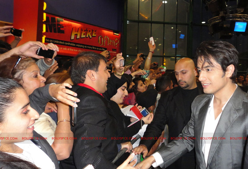 11sep mbkd ukpremier07 Exclusive: BollySpice at Mere Brother Ki Dulhan UK Premier
