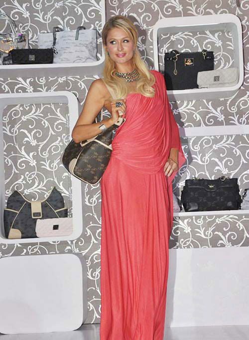 11sep parishandbagindia Paris Hilton Loves It: India that is!