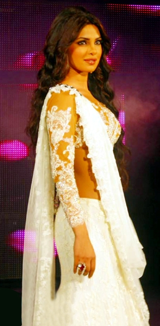 11sep priyanka catwalk03 Priyanka Chopra the showstopper!