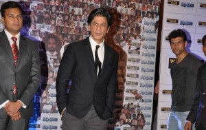 11sep ra1westernunion01 300x189 Shah Rukh Khan launches the 'Ra.One – Western Union' Global Campaign