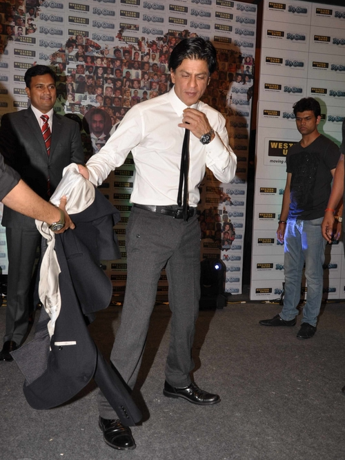 11sep ra1westernunion09 Shah Rukh Khan launches the 'Ra.One – Western Union' Global Campaign