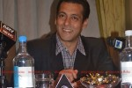 11sep_salman-uk-pressconf09