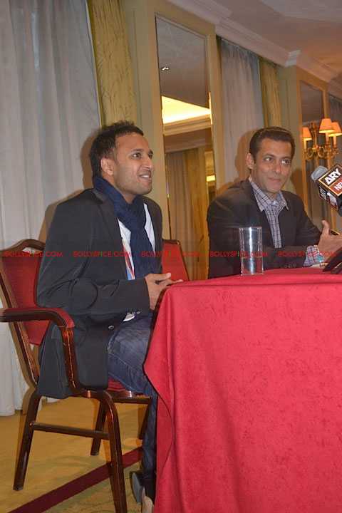11sep salman uk pressconf15 Salman Khans London Press Conference Exclusive Report!
