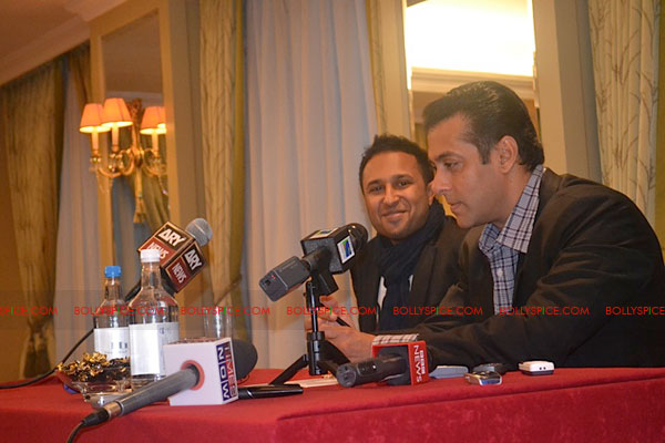11sep salman uk pressconf17 Salman Khans London Press Conference Exclusive Report!