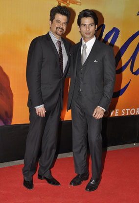 11sep whwn mausumpremiere02 Whos Hot Whos Not   Mausam Premiere