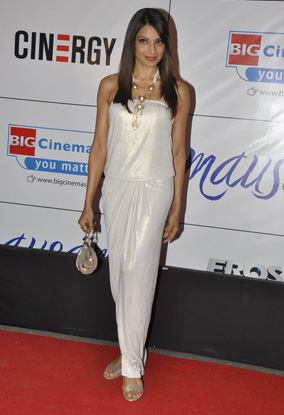 11sep whwn mausumpremiere04 Whos Hot Whos Not   Mausam Premiere