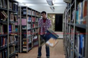 11oct MFK library 300x200 Mujshe Fraaandship Karoge   Library of Woes