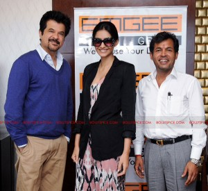 11oct anilsonam emgee 300x275 Anil Kapoor & Sonam Kapoor, to endorse EMGEE Group's Real Estate projects