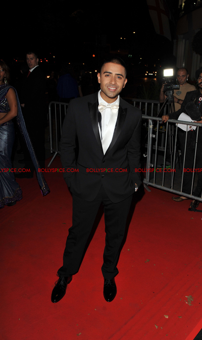 11oct asianawards 05 Akshay Kumar, Asha Bhosle and Jay Sean and many others honored at the Asian Awards