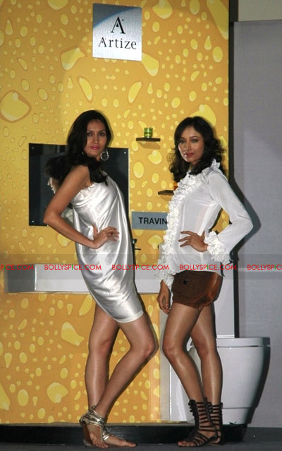 11oct jaquar event06 Neha Dhupia & Isha Sharvani at Jaquar J class event