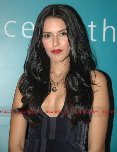 11oct jaquar event10 Neha Dhupia & Isha Sharvani at Jaquar J class event