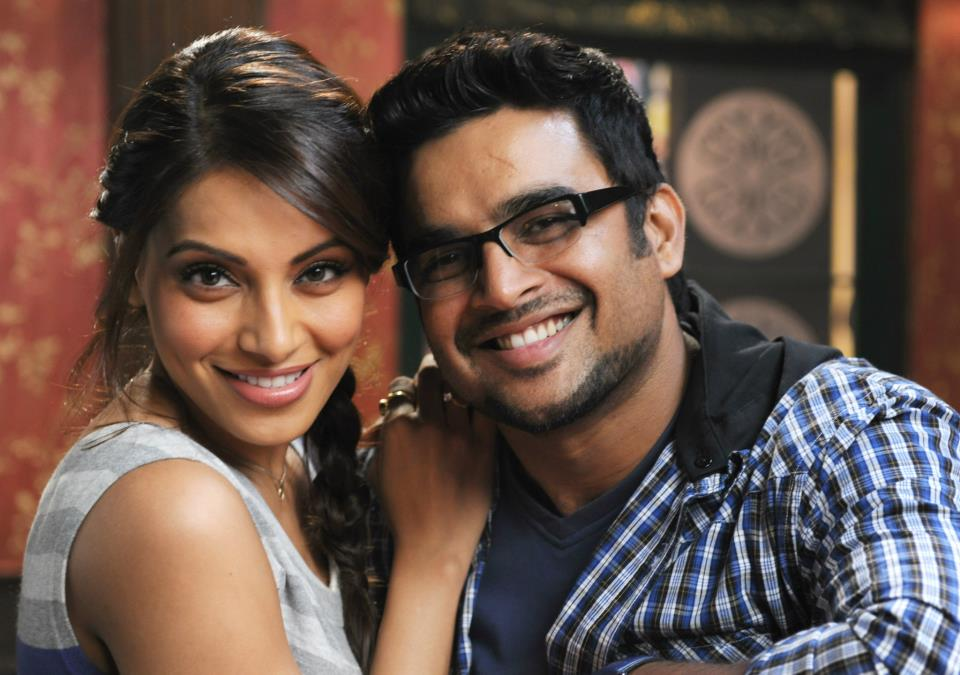 11oct jodi breakers stills06 First look at  Bipasha and Madhavan in Jodi Breakers!