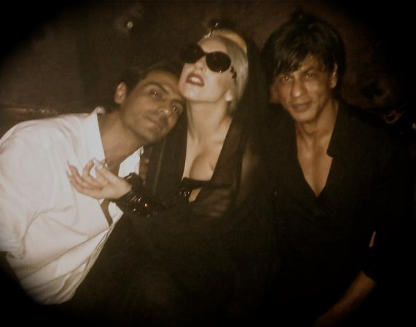 11oct ladygaga srk arjun Ra.One and G.One rub shoulders with the one and only Lady Gaga!