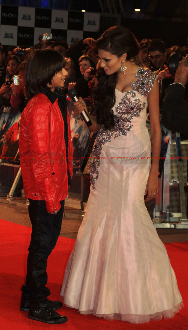 11oct ra1 redcarpet UK01 More Ra.One UK Premiere   Red Carpet