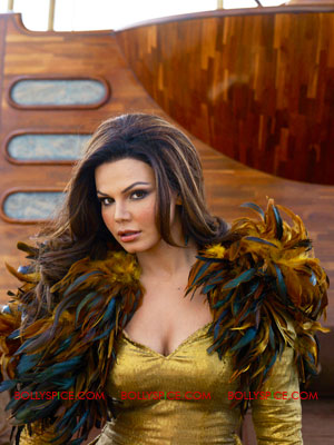 11oct rakhi censor anna Rakhi Sawant to approach Anna Hazare against Censor Board!