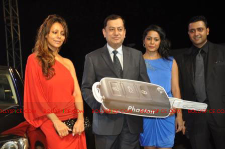 11oct raone vw06 Ra.One Volkswagen Phaeton event with Shah Rukh and Gauri Khan