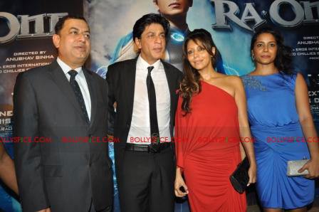 11oct raone vw08 Ra.One Volkswagen Phaeton event with Shah Rukh and Gauri Khan