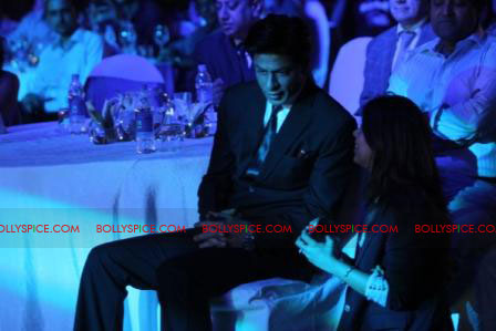 11oct raone vw09 Ra.One Volkswagen Phaeton event with Shah Rukh and Gauri Khan