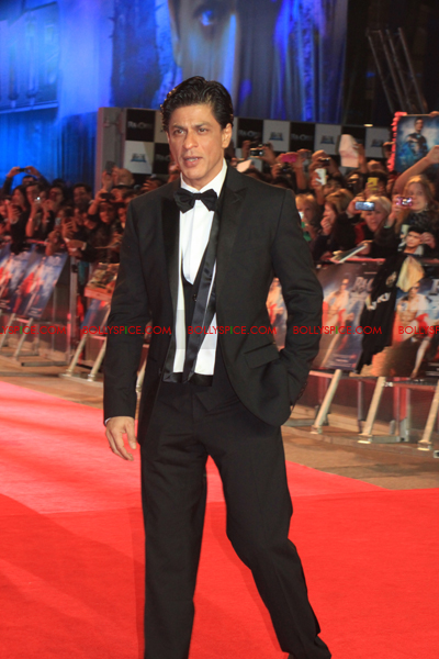 11oct raonetoronto srk Exclusive Report: Ra.Ones London Red Carpet Premiere