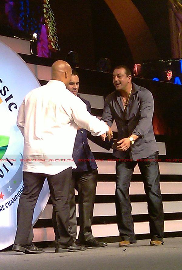 11oct sheraclassic21 Amitabh Bachchan, Sanjay Dutt and Rana at Sheru Classic 2011