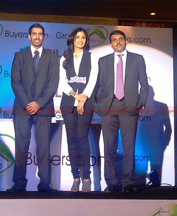 11oct shilpa shetty HBG03 Exclusive! Shilpa Shetty launches her real estate ecommerce venture