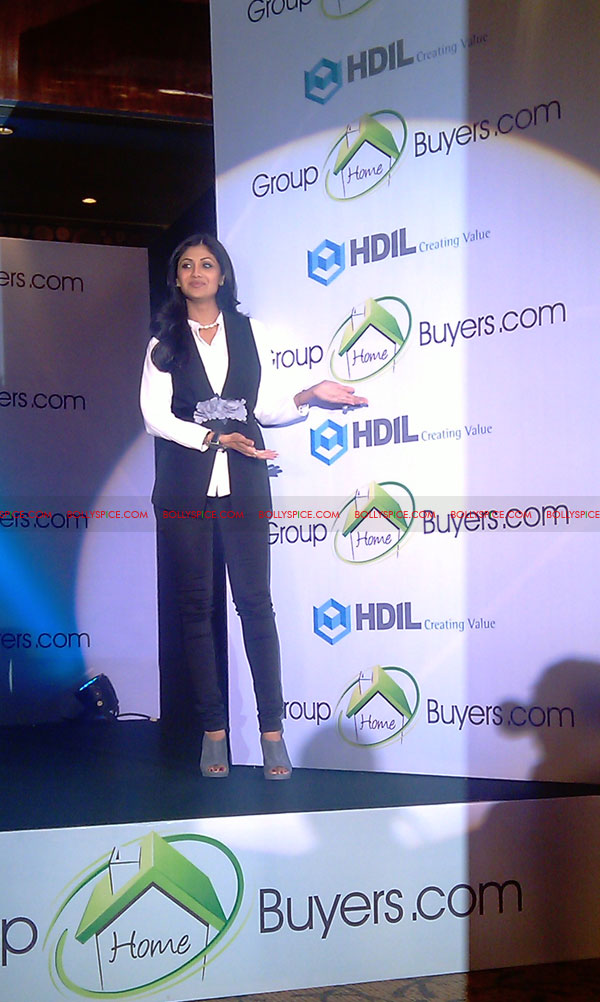 11oct shilpa shetty HBG07 Exclusive! Shilpa Shetty launches her real estate ecommerce venture