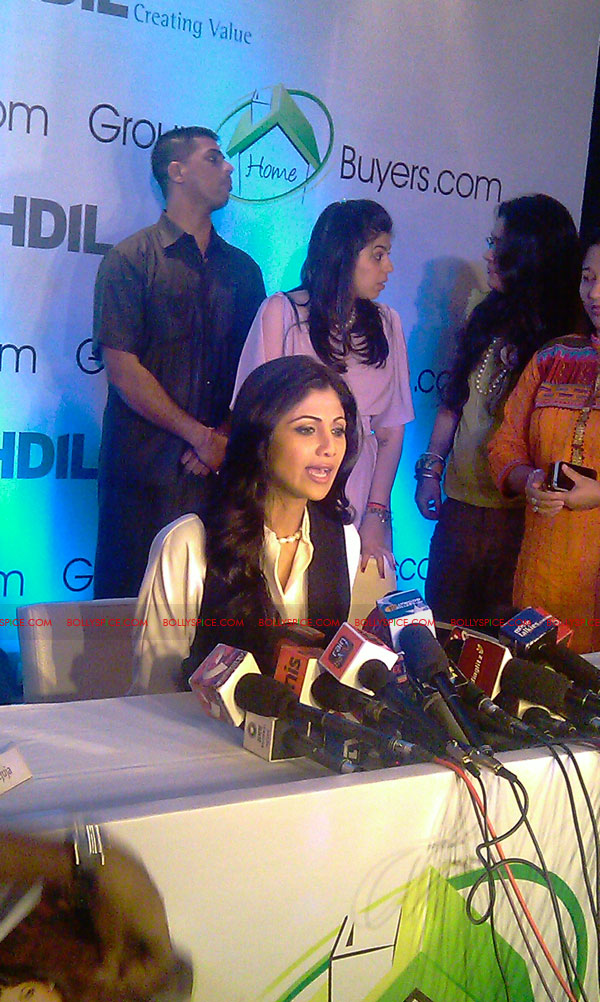 11oct shilpa shetty HBG09 Exclusive! Shilpa Shetty launches her real estate ecommerce venture