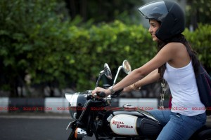 11oct tarahottiebike 300x200 Mujhse Fraaandship Karoge hottie, Tara is a Biker Chick