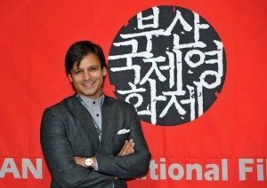 11oct vivek turns producer01 300x212 Vivek Oberoi turns Producer and wins Best Film Award at Busan