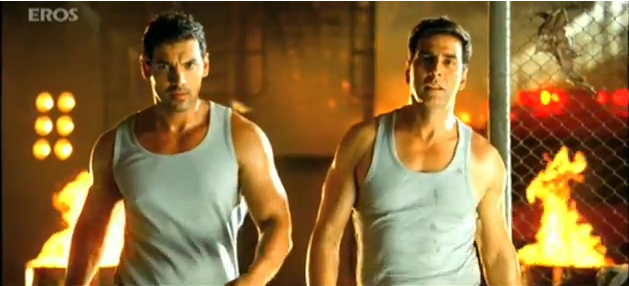 Screen Shot 2011 10 15 at 11.40.26 AM Akshay Kumar's hot new avatar in 'Desi Boyz' sends temperatures soaring!
