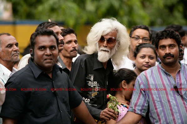 11nov LVRB MFHussain01 M. F. Husain on the sets of Ladies v/s Ricky Bahl?