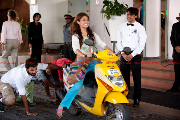 11nov Ride like Anushka Ride away like Anushka Sharma