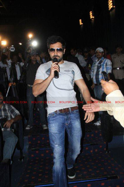 11nov TDP emraan tusshar patna04 The Dirty Picture and the whirlwind of promotions