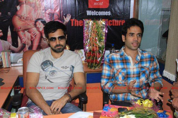 11nov TDP emraan tusshar patna06 The Dirty Picture and the whirlwind of promotions