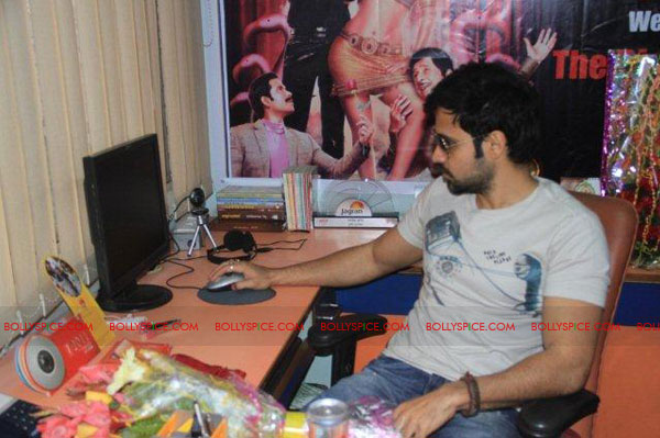 11nov TDP emraan tusshar patna07 The Dirty Picture and the whirlwind of promotions