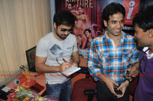 11nov TDP emraan tusshar patna09 The Dirty Picture and the whirlwind of promotions