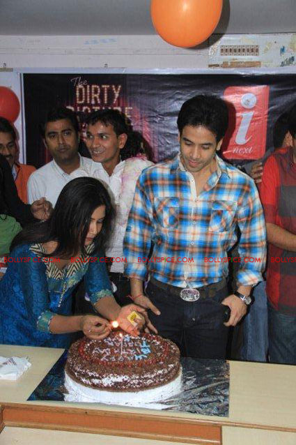 11nov TDP emraan tusshar patna10 The Dirty Picture and the whirlwind of promotions