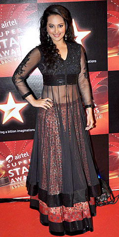 11nov hot or not05 Whos Hot Whos Not   Airtel Super Star Awards