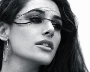 11nov nargis ny2mumbai 300x240 Its Goodbye New York & Hello Mumbai For Nargis Fakhri