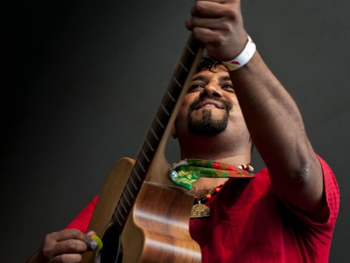 11nov raghudixitinterview 06 I think my music is the truest representation of what India is today.   Raghu Dixit