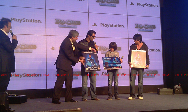 11nov raonegamelaunch 11 Ra.One game launch