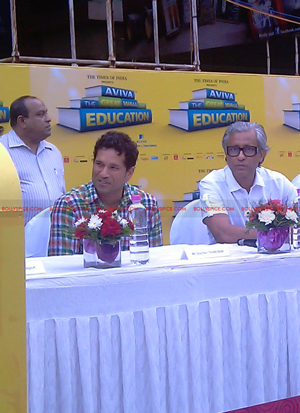 "11nov tendulkarevent04 Sachin Tendulkar at ""Aviva Great Wall Of Education"" Event"