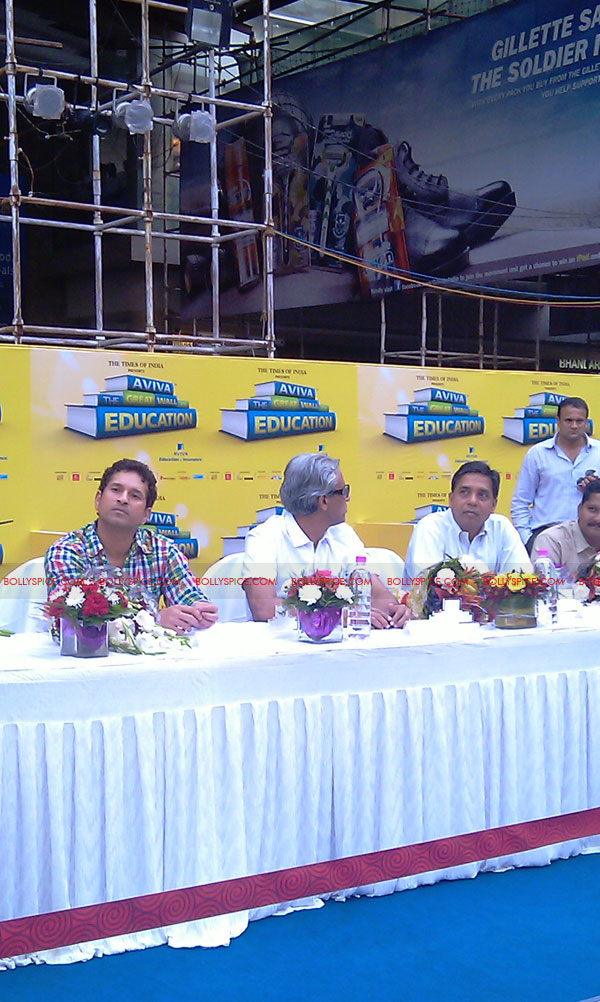 "11nov tendulkarevent08 Sachin Tendulkar at ""Aviva Great Wall Of Education"" Event"