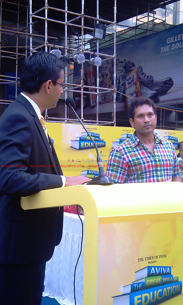 "11nov tendulkarevent12 Sachin Tendulkar at ""Aviva Great Wall Of Education"" Event"