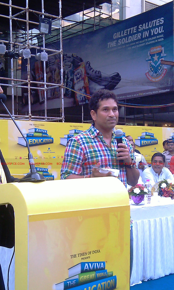 "11nov tendulkarevent15 Sachin Tendulkar at ""Aviva Great Wall Of Education"" Event"