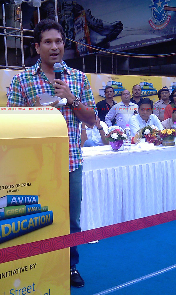 "11nov tendulkarevent17 Sachin Tendulkar at ""Aviva Great Wall Of Education"" Event"