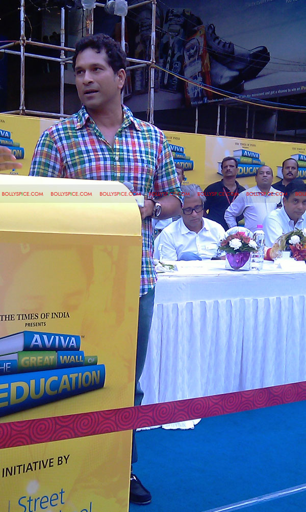"11nov tendulkarevent18 Sachin Tendulkar at ""Aviva Great Wall Of Education"" Event"