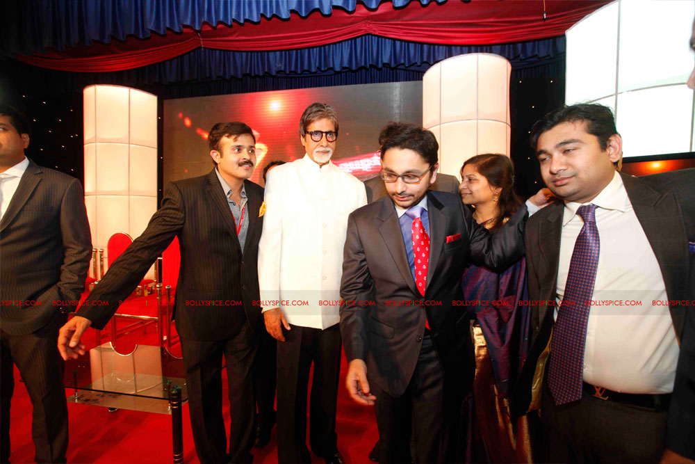 11dec amitabh dilip lokmat20 Dilip Kumar and Amitabh Bachchan receive Lokmat awards from The President of India