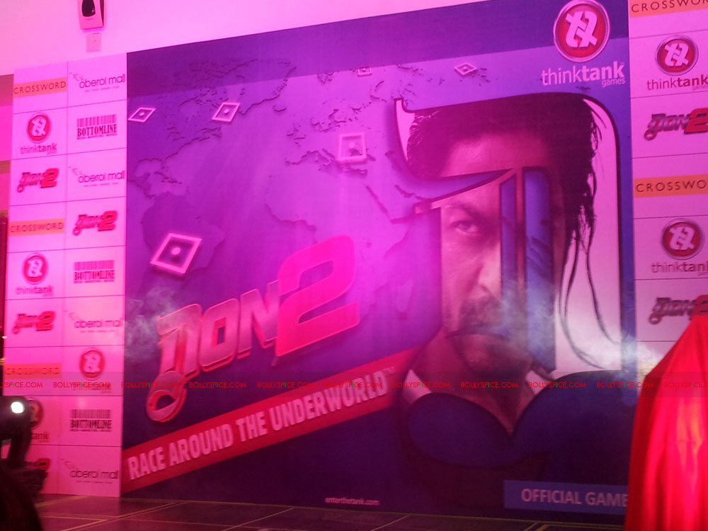 11dec don2 gamelaunch02 Shah Rukh Khan Launches the Cool Don 2 Board Game